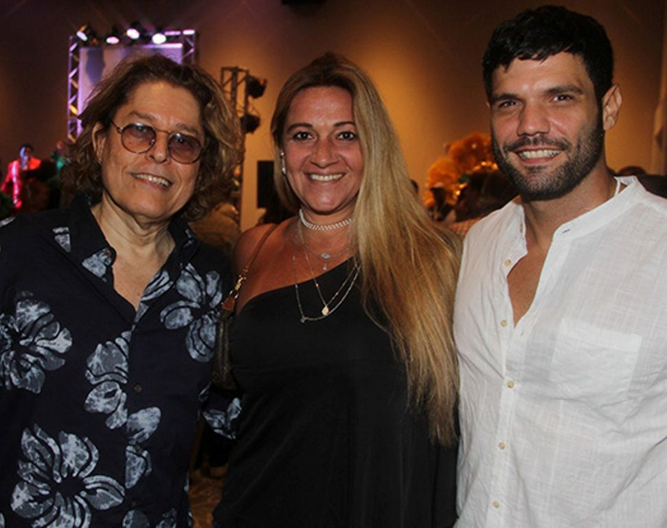 Assessor de imprensa Alberto Aquino com a atriz Monica Santoro e o ator Betto Marques
